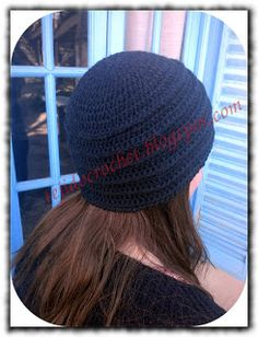 Gorro negro en tejido crochet. Tutorial video.