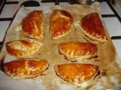 Chausson au jambon : Recette de Chausson au jambon - Marmiton Pie Co, Empanadas, Griddle Pan, Buffet, Appetizers, Food And Drink, Cooking Recipes, Cheese, Eat