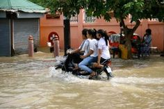 Inondations à Siem Reap... Notre article sur le Cambodge: http://www.novo-monde.com/article-cambodge.php#