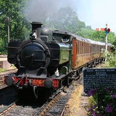 The Runaway Train A restored Great Western steam train ( number entering Highley Station on the Severn Valley Railway, Worcestershire, England. Diesel, Severn Valley, Heritage Railway, Old Steam Train, Runaway Train, Steam Railway, Abandoned Amusement Parks, Train Art, Old Trains