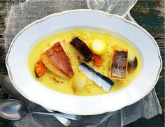 Seafood Soup Recipes, Fish Soup, Dry White Wine, Hot Soup, Fresh Cream, Fish Dishes, Winter Food, Fennel, Yummy Food