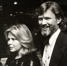 2BCE0AC100000578-3216073-Premiere_Songwriter_Kris_Kristofferson_right_and_Sue_Mengers_lef-m-26_1440944663991.jpg (634×628)