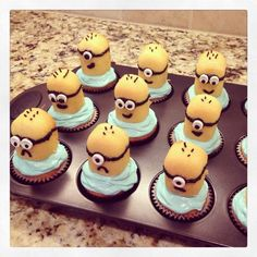 Funny Images of Minion Cupcakes