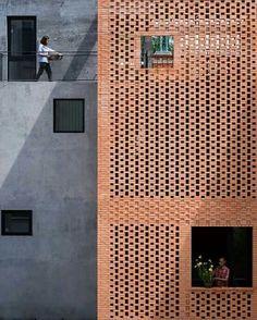 Znalezione obrazy dla zapytania polychromatic white brick
