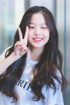 Iz one Jang Won-young Pretty Korean Girls, Cute Korean Girl, Cute Asian Girls, Beautiful Asian Girls, Cute Girls, Uzzlang Girl, Girl Face, Kpop Girl Groups, Kpop Girls