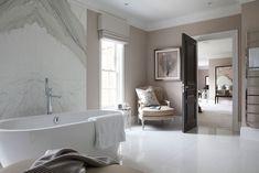 Classic Bathroom Inspiration. French Furniture. Oficina Inglesa London.