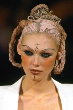 The '90s Inspiration Behind FKA Twigs's Makeup -- The Cut