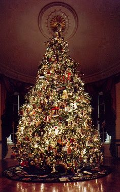 christmas tree decorating ideas 2013 | Luxury Christmas Tree Decorations Ideas Real House Design Background ...