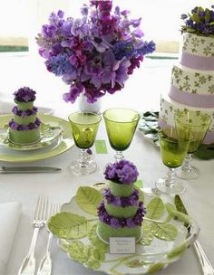 Carolyne Roehm has superb taste. I love the dishes, the glassware and the color scheme.