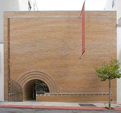 1948 V.C. Morris Gift Shop (now Xanadu Gallery) by Frank Lloyd Wright: San Francisco CA. Photo:Bob Trempe via Flickr.