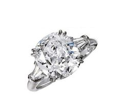 3CT cushion cut diamond engagement ring