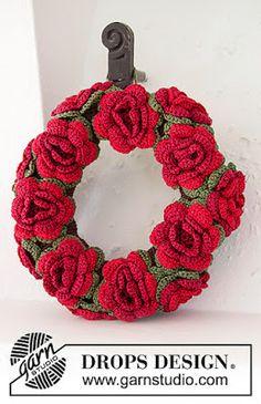 Colorful Wreaths! 12 Pretties for Your Door...