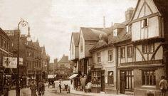 High Street, Tonbridge, Kent c. 1905. Image from http://www.oldukphotos.com/graphics/England%20Photos/Kent,%20Tonbridge,%20High%20Street%20c.1905%20-%201280pix.jpg.