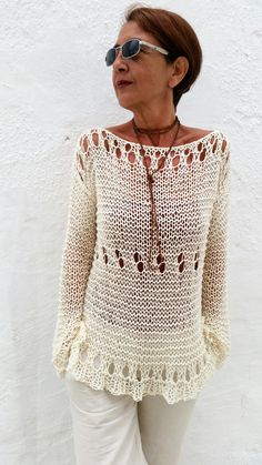 Knitting Patterns Sweaters Women& sweater cream knitted sweater by EstherTg . Knitting Designs, Knitting Stitches, Hand Knitting, Knitting Patterns, Crochet Wool, Crochet Blouse, Hand Knitted Sweaters, Cotton Sweater, Cream Sweater
