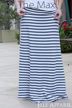Love the look of this yoga-waist maxi skirt.  I'll have to dust off that sewing machine and take a shot at making this skirt!