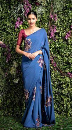 Simple yet eligent blue saree.