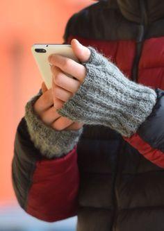 Tekstiiliteollisuus - teetee Tundra Knitting Socks, Knit Socks, Fingerless Gloves, Arm Warmers, Mittens, Villas, Diy, Fashion, Knitting Loom Socks