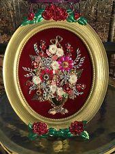 Vintage Rhinestone Jewelry Christmas Tree Framed Art Flower Arrangement - October 19 2019 at Costume Jewelry Crafts, Vintage Jewelry Crafts, Antique Jewelry, Jewelry Frames, Jewelry Tree, Button Art, Button Crafts, Rhinestone Jewelry, Vintage Rhinestone