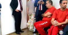 Neif Chala é ex-servidor da SECTES e assessor do deputado federal Caio Narcio (PSDB), filho de Narcio Rodrigues. Já Hugo Murcho era diretor no Brasil da multinacional portuguesa Yser, suspeita de ter participado de um esquema de lavagem de dinheiro para financiamento de campanha eleitoral, no segundo semestre de 2012.