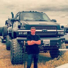 look at that truck!!