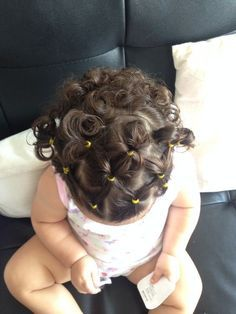 hairstyles with rubber bands hairstyles little girl hairstyles natural hair hairstyles low maintenance are the curly hairstyles curly hair over 50 hairstyles hairstyles spring 2020 Easy Toddler Hairstyles, Cool Hairstyles For Girls, Baby Girl Hairstyles, Princess Hairstyles, Easy Hairstyles, Teenage Hairstyles, Toddler Curly Hair, 1950s Hairstyles, Girl Hair Dos
