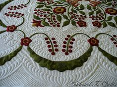 Addicted To Quilts: Feathers with Curved Cross Hatching