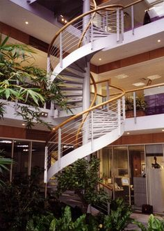 How awesome is the shape of that interior bannister?