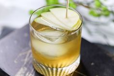 Ready to relax for the weekend or prepping to entertain friends for an evening - We have the perfect Summer Drink: Hard Cider Pear Cocktail Cider Cocktails, Summer Drinks, Glass Of Milk, Pear, Ethnic Recipes, Pretty, Food, Summer Beverages, Meal