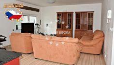 НЕДВИЖИМОСТЬ В ЧЕХИИ: продажа дома / 5-комн., Прага, Tikovská, 300 000 € http://portal-eu.ru/doma/5-komn/realty251/  Предлагается на продажу дом 5+КК площадью 156 кв.м с участком 244 кв.м в районе Прага 9 – Горни Почернице стоимостью 300 000 евро. Дом двухэтажный, новостройка. На первом этаже дом состоит из прихожей, кладовой, ванной комнаты с душевой кабиной, просторной гостиной с кухней, которая оснащена бытовыми приборами, столовой, входом в сад и гаража. Этажом выше находятся четыре…