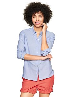Fitted boyfriend oxford shirt.Love the fit of this shirt.