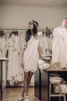 Wedding dress, beauty, hair and makeup bridal inspiration for the tomboy bride. Short wedding dress inspiration for Magpie Wedding's creative and quirky brides. Casual Bride, Casual Wedding, Chic Wedding, Rustic Wedding, Wedding Ideas, Wedding Inspiration, White Wedding Dresses, Bridal Dresses, Wedding Gowns