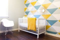 Accent Wall Ideas - An accent wall is needed within a boring room to give them some extraordinary touch. It can also break up a large room. Or, an accent wall can simply define a strong feature in the room. Inspiration Wand, Interior Inspiration, Wall Paint Patterns, Baby Room Colors, Triangle Wall, Triangle Print, Triangle Pattern, Kids Decor, Home Decor