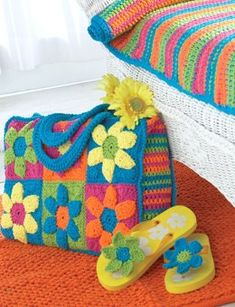 Flower Power Beach Bag in Bernat Handicrafter Cotton Solids