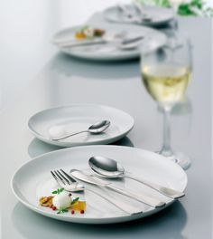 Use simple and beautiful cutlery for your breakfast, lunch and dinner. #cutlery #tablesetting #products #simple #classic