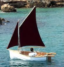 """The ROTHER """"Mini Gaffer"""" Sailing Dinghy. The ROTHER has 5 planks per side fitted to a full length plywood keel and can be built to row, motor and/or sail. The boat is built using 4 sheets of and half sheet of marine plywood and a few lengths of timber. Dinghy Boat, Sailing Dinghy, Canoe Plans, Plywood Boat Plans, Folding Boat, Boat Building Plans, Wooden Boat Building, Boat Seats, Build Your Own Boat"""