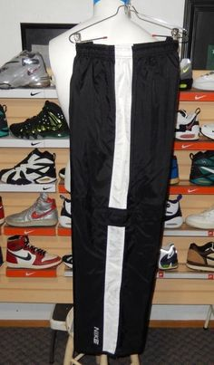 Men's Nike Cargo Athletic Pants Lined Black White XL Track Basketball Nylon Snow #Nike #Pants
