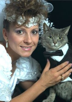 People think i will do this....lol i wont but i love it. Haha. Cat at wedding (follow link for article) perfect!!!!