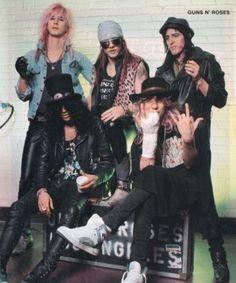 Formación original! Slash casi siempre saliá ebrio en todas las fotos ja!