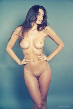 Komiska naken you thanks