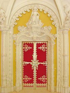 Porta na Quinta da Regaleira em Sintra