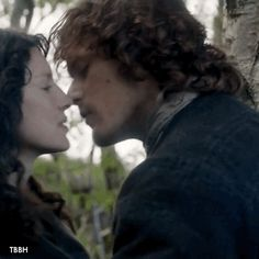 Outlander: Favorite Fraser Kisses (Season 1) 11-20 From sexy kisses to those of devotion and everywhere in-between! Which was your favorite kiss?