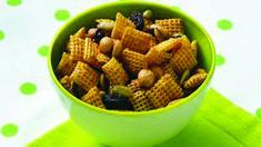 Gluten-Free Sweet and Spicy Honey Nut Chex® Mix Need a little munchie? Whip up a batch of this nutty cereal mix that's ready to eat in 15 minutes. Roasted Pumpkin Seeds, Roast Pumpkin, Spicy Honey, Sweet And Spicy, Chex Mix Recipes, Snack Recipes, Free Recipes, Gf Recipes, Chex Party Mix