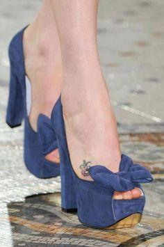 shoes,fashion shoes, high heels, sexy shoes, shoe fetish black and white yellow black fashion shoes Dream Shoes, Crazy Shoes, Me Too Shoes, Shoe Boots, Shoes Heels, Blue Suede Shoes, Dress Sandals, Beautiful Shoes, Fashion Shoes