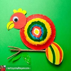 Paper Plate Parrot Craft is an extremely easy and fascinating craft for young kids. Watch their happy faces as they transform a plate into a colorful bird. Paper Plate Crafts For Kids, Christmas Paper Crafts, Crafts For Kids To Make, Easy Crafts, Kids Crafts, Toucan Craft, Parrot Craft, Craft Activities, Preschool Crafts