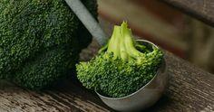 Broccoli oder Brokkoli - Egal, gekocht oder besser gedünstet total lecker! How To Cook Broccoli, Detox Your Liver, Liver Cleanse, Cream Of Broccoli Soup, Sea Scallops, Folic Acid, Homemade Soup, Gratin, Vegetables