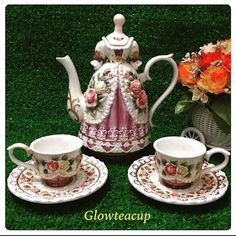 "33 Likes, 12 Comments - Glow Tea Cup (@glowteacup) on Instagram: ""Pretty Victorian ladyee teapot with 2 tea cups and 2 saucers. #teacup #teacupcollector…"""