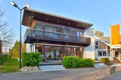 ➤ Mit einem Klick auf das Bild, gelangst Du zu unserer Auswahl von Einfamilienhäusern. ➤ Weitere Haustypen findest du auf ____ www.fertighaus.de ____ Fertighäuser, Einfamilienhaus, Architektur, Hausbau, Eigenheim, Einfamilienhaus, modern