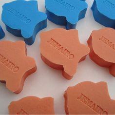 Een persoonlijk VIS zeepje met een naam of datum! Vele kleuren en geuren! Informeer naar alle mogelijkheden! SNEL en VEILIG betalen