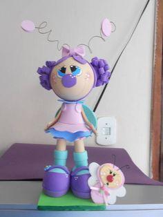 Boneca Borboleta confeccionada em eva 3d  pode ser usada como topo de bolos decoração de mesa e  na decoração de quartos infantis R$ 25,00