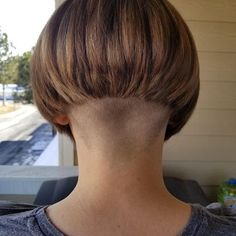 66 Chic Short Bob Hairstyles & Haircuts for Women in 2019 - Hairstyles Trends Shaved Bob, Shaved Nape, Half Shaved, Undercut Hairstyles, Short Bob Hairstyles, Bob Haircuts, Undercut Bob, Cut My Hair, New Hair